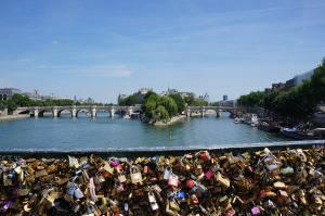 love-locks-417436_1280